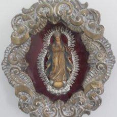 Antigüedades: ANTIGUO RELICARIO INTERIOR VIRGEN CORONADA MARCO DE LATON ARTESANIA LUIS SANTOS ORFEBRERIA SEVILLA. Lote 164734578