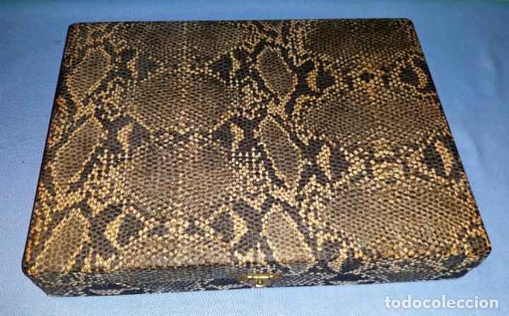 Antigüedades: ANTIGUO ESTUCHE CON CUBIERTOS DE ALPACA PLATEADO VER FOTOS Y DESCRIPCION - Foto 2 - 164784870
