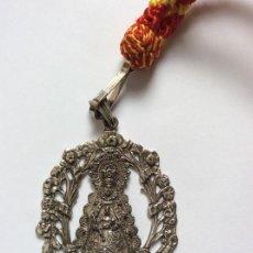 Antigüedades: MEDALLA MEDALLÓN COFRADÍA HERMANDAD DE LA VIRGEN DEL ROCIO - 7X5CMS . Lote 164863026