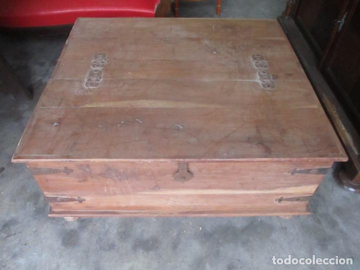 Antigüedades: Caja, Baúl, Arcón - Madera de Cedro - con Doble Tapa - Patas Torneadas - Ideal para Mesa de Centro - Foto 10 - 164887486