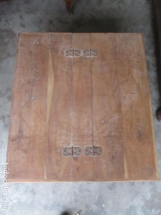 Antigüedades: Caja, Baúl, Arcón - Madera de Cedro - con Doble Tapa - Patas Torneadas - Ideal para Mesa de Centro - Foto 16 - 164887486
