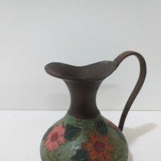 Antigüedades: PEQUEÑA JARRA DE BRONCE POLICROMADA HECHA EN INDIA. CONSERVA SU PÁTINA. Lote 164963420