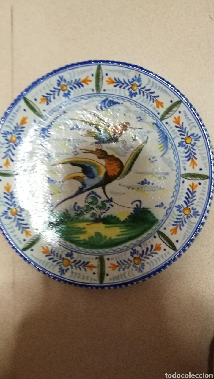 BONITO PLATO EN CERAMICA DE TRIANA (Antigüedades - Porcelanas y Cerámicas - Triana)
