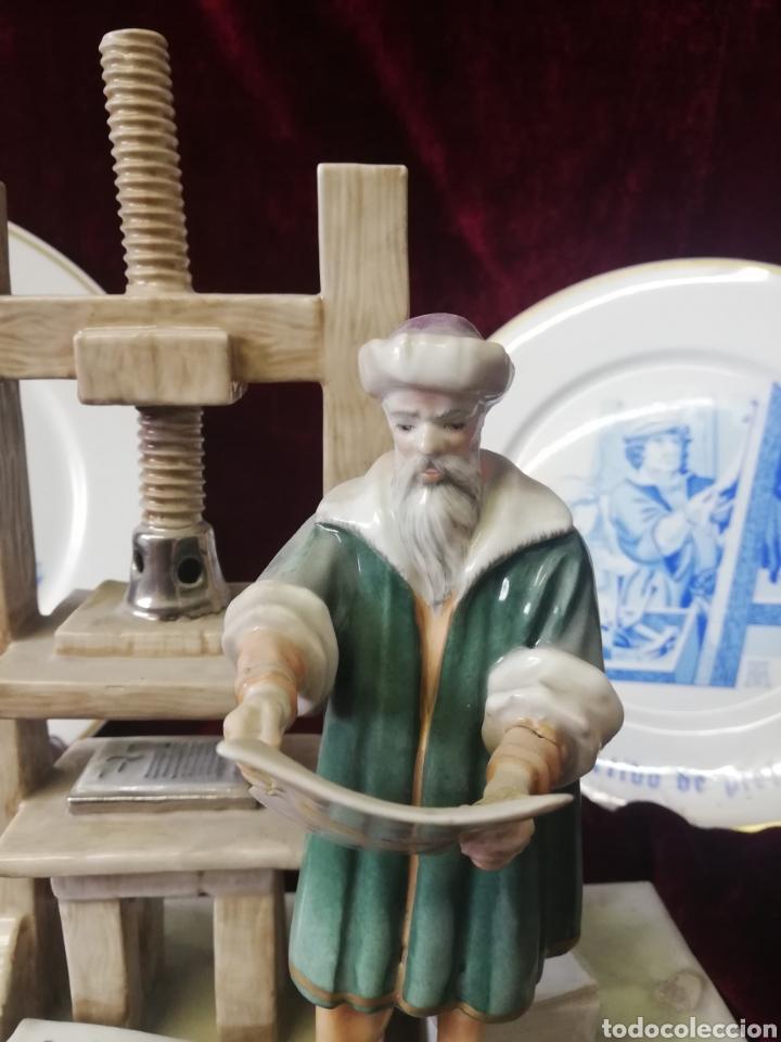 Antigüedades: Figura porcelana algora y 2 platos algora - Foto 3 - 164972292