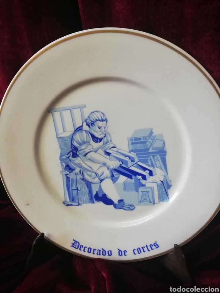 Antigüedades: Figura porcelana algora y 2 platos algora - Foto 6 - 164972292