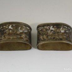 Antigüedades: PAREJA DE SERVILLETEROS PLATEADOS. Lote 175560390