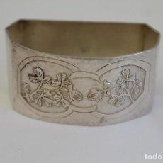 Antigüedades: SERVILLETERO CON PLATA DE LEY PUNZONADA. Lote 175559197
