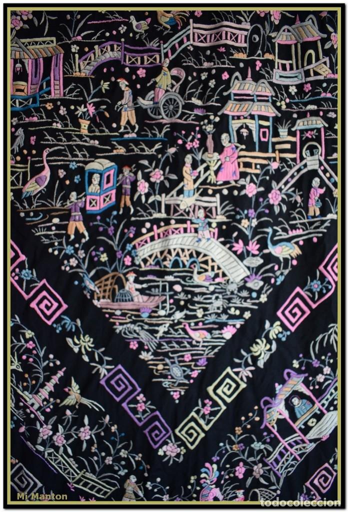 Antigüedades: Mi Manton. Manton de Manila antiguo. raro cantones de chinos tonos rosaceos, azules, y lila - Foto 2 - 145132718