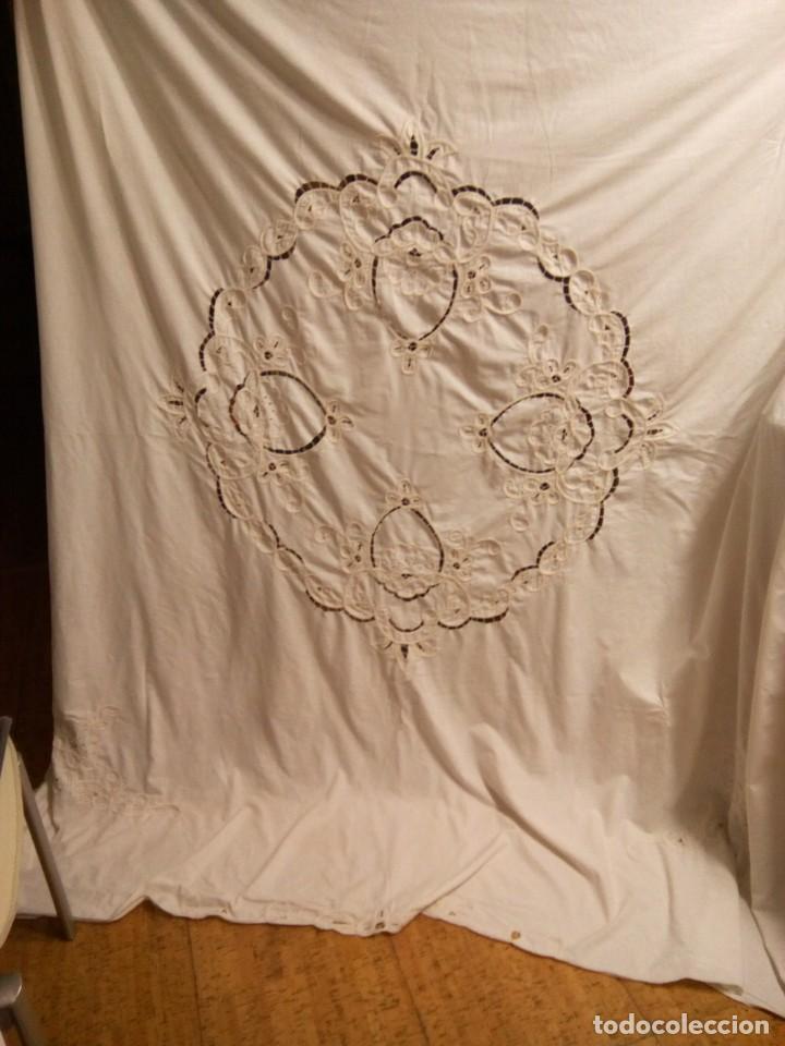 * CORTINA BORDADA. 2,10M. (RF: 358/C) (Antigüedades - Hogar y Decoración - Cortinas Antiguas)