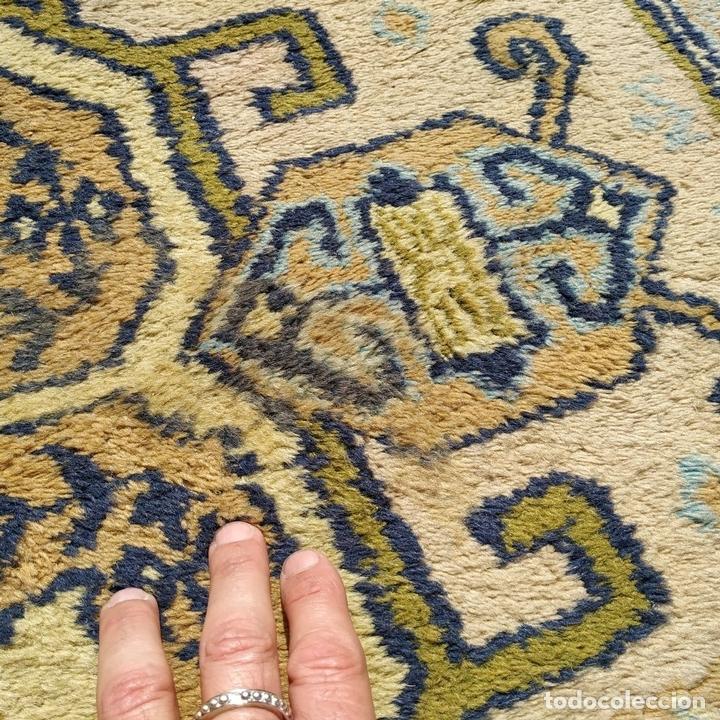 Antigüedades: ALFOMBRA CAUCÁSICA. COLORES INTENSOS. LANA ANUDADA A MANO. CÁUCASO. CIRCA 1980 - Foto 17 - 165048590