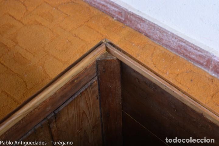 Antigüedades: Precioso macetero antiguo con azulejos de cerámica esmaltada con motivos arabescos mensaque? - Foto 10 - 165070030