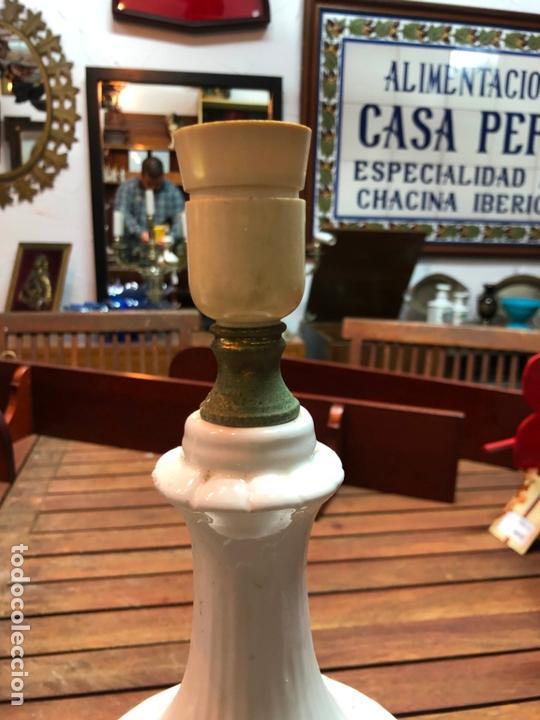 Antigüedades: PRECIOSA LAMPARA CERAMICA MANISES - MEDIDA 37 CM - Foto 2 - 165078826