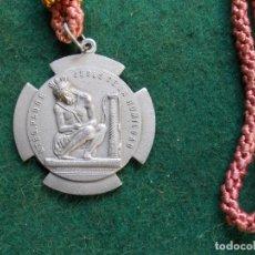Antigüedades: MEDALLA COFRADIA SACRAMENTAL SANTA VERA-CRUZ Y SANTISIMO CRISTO HUMILDAD. Lote 165152630