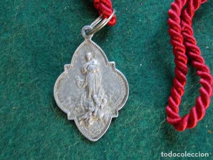 MEDALLA HERMANDAD ANTIGUA CON CORDON AVE MARIA CRISTO REINA (Antigüedades - Religiosas - Medallas Antiguas)