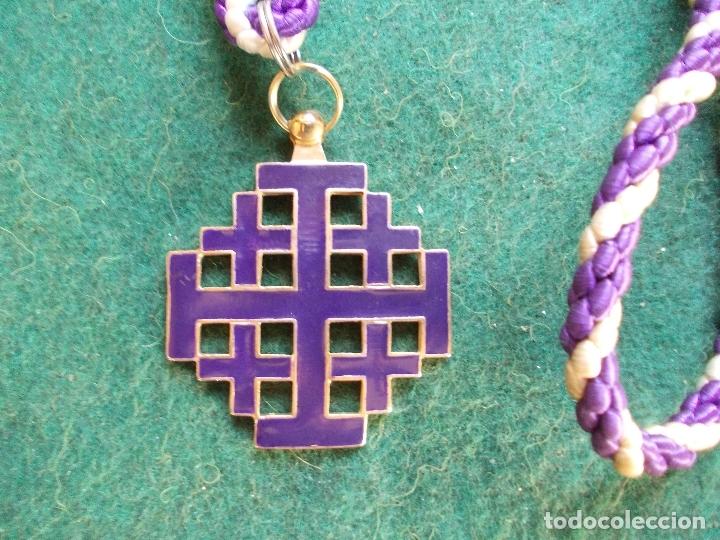 MEDALLA HERMANDAD ANTIGUA CON CORDON JESÚS NAZARENO BARBATE (Antigüedades - Religiosas - Medallas Antiguas)