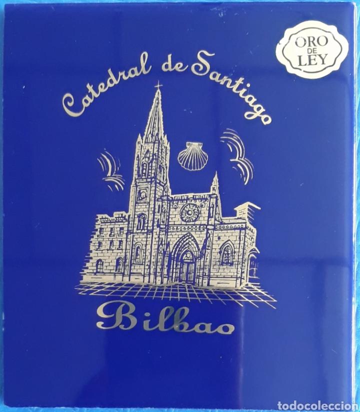 AZULEJO GRABADO ORO DE LEY CATEDRAL DE SANTIAGO BILBAO (Antigüedades - Porcelanas y Cerámicas - Azulejos)