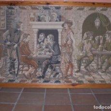 Antigüedades: TAPIZ LOS TRES MOSQUETEROS MIDE 218 X 120. Lote 165240566
