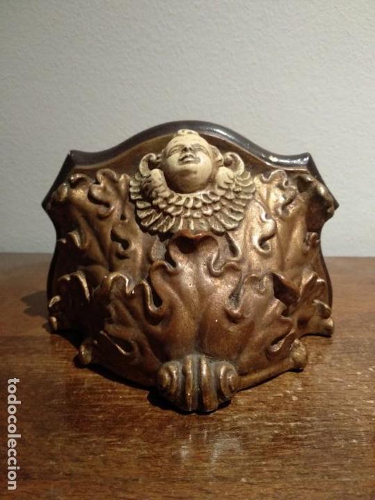 Antigüedades: antigua peana con angel en escayola - ver fotos - Foto 8 - 165261186