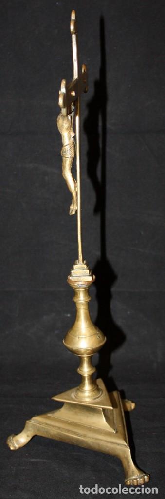 Antigüedades: CRUCIFIJO EN BRONCE DEL SIGLO XVIII - Foto 2 - 165314406