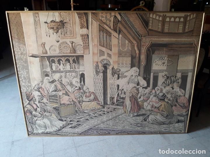 TAPIZ ESCENA ÁRABE (Antigüedades - Hogar y Decoración - Tapices Antiguos)