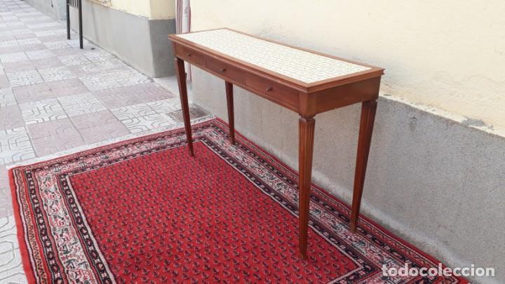 Antigüedades: Gran consola antigua estilo Luis XVI. 117 cm. Mesa auxiliar antigua estilo inglés. - Foto 2 - 165322062