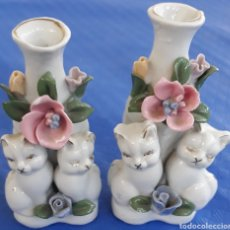Antigüedades: PORCELANA CHINA PAREJA FIGURITAS CON GATITOS. Lote 165331049