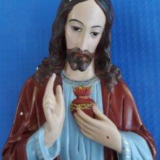 Antigüedades: ANTIGUO YESO SAGRADO CORAZÓN DE JESÚS. Lote 165331740