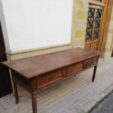 Antigüedades: ESPECTACULAR MESA DE 215 DE LARGA. Lote 165339097