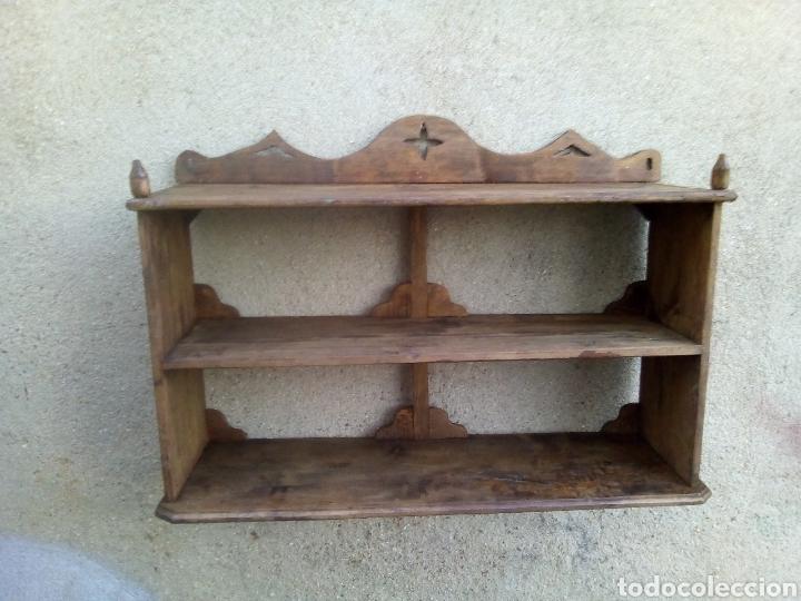 ESTANTERÍA ANTIGUA (Antigüedades - Muebles Antiguos - Repisas Antiguas)