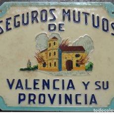 Antigüedades: CARTEL , PLACA AZULEJO , PUBLICIDAD SEGUROS MUTUOS DE VALENCIA Y SU PROVINCIA, ANTIGUO , ORIGINAL. Lote 165366486