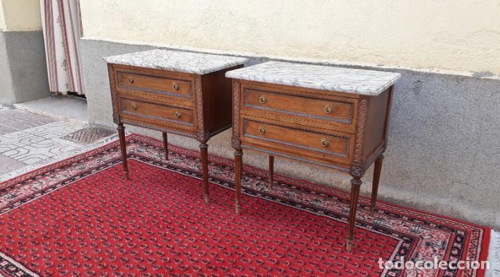 Antigüedades: 2 dos mesillas de noche antiguas estilo Luis XVI. Pareja de mesitas de dormitorio antiguas vintage. - Foto 2 - 191142838