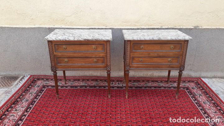 Antigüedades: 2 dos mesillas de noche antiguas estilo Luis XVI. Pareja de mesitas de dormitorio antiguas vintage. - Foto 4 - 191142838