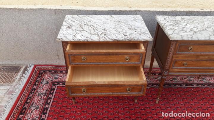 Antigüedades: 2 dos mesillas de noche antiguas estilo Luis XVI. Pareja de mesitas de dormitorio antiguas vintage. - Foto 6 - 191142838
