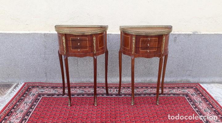 Antigüedades: 2 dos mesitas de noche antiguas estilo Luis XV. Pareja de mesillas de dormitorio antiguas francesas. - Foto 3 - 165372338
