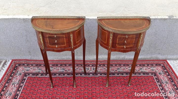 Antigüedades: 2 dos mesitas de noche antiguas estilo Luis XV. Pareja de mesillas de dormitorio antiguas francesas. - Foto 6 - 165372338