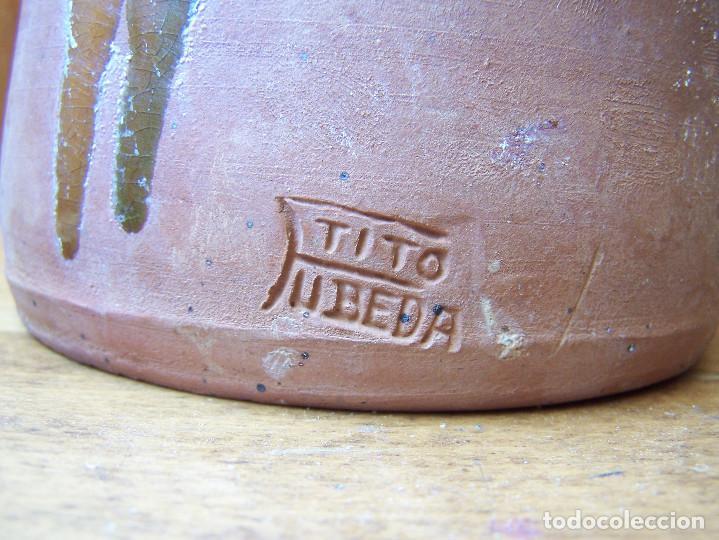 Antigüedades: Aceitera de cerámica, firmada. Tito Úbeda. Altura:21,50 cm. - Foto 3 - 165389106