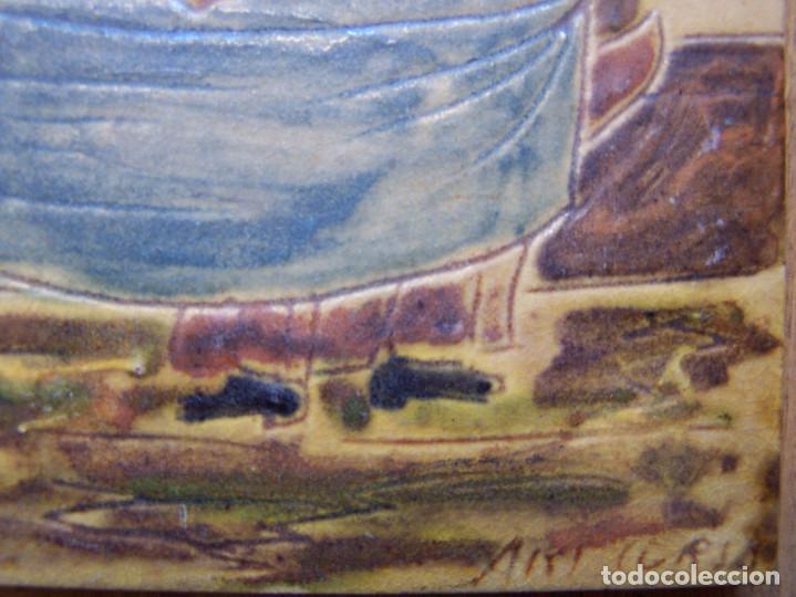 Antigüedades: Azulejo tipo de oficios, firmado en la esquina de abajo. Dimensiones: 15 por 15 cm. - Foto 2 - 165389790