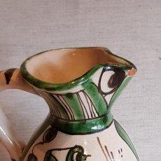 Antigüedades: PEQUEÑA JARRITA DE CERÁMICA / TERUEL / 14 CM DE ALTO X +/- 11 DE ANCHO / PEQUEÑO DESCONCHE / FOTO.. Lote 165465646