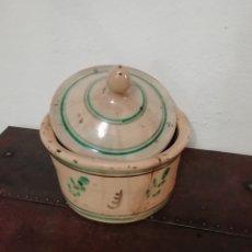 Antigüedades: QUESERA ANTIGUA DE CERÁMICA. Lote 165475878
