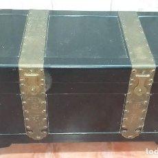 Antigüedades: ANTIGUO BAÚL DE VIAJE CON MOTIVOS ORIENTALES. Lote 165494082