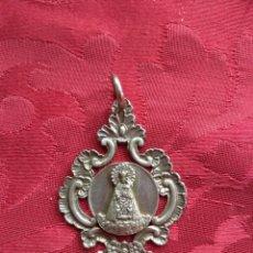 Antigüedades: MEDALLA DE PLATA VIRGEN DE LOS DESAMPARADOS - V CENTENARIO 1493 - 1993. Lote 165530340