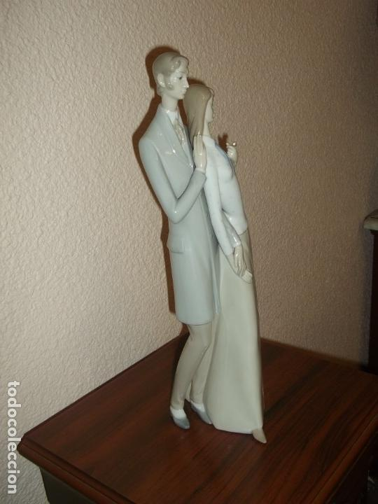 Antigüedades: Figura porcelana Rosal Lladro . Pareja enamorados. Brillo. Muy rara. Marcada Rosal Made in Spain. - Foto 8 - 145995650