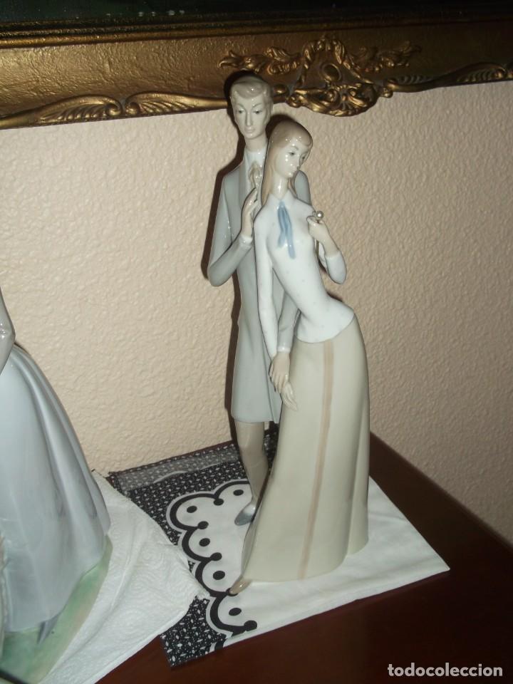 Antigüedades: Figura porcelana Rosal Lladro . Pareja enamorados. Brillo. Muy rara. Marcada Rosal Made in Spain. - Foto 2 - 145995650