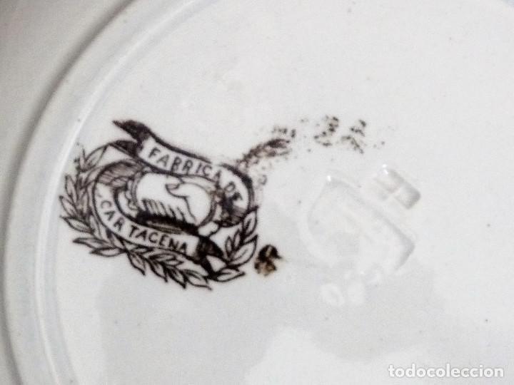 Antigüedades: Seis platos de ceramica de Cartagena en color marrón, estampados con ¨Persecución de un venado¨. - Foto 5 - 165621038