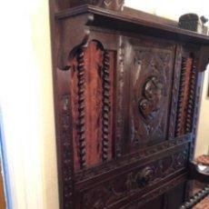 Antigüedades: MUEBLE TALLADO RECIBIDOR PARAGÜERO. Lote 165644426