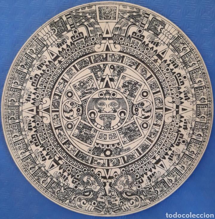 CALENDARIO AZTECA BAJO RELIEVE RESINA (Antigüedades - Hogar y Decoración - Otros)