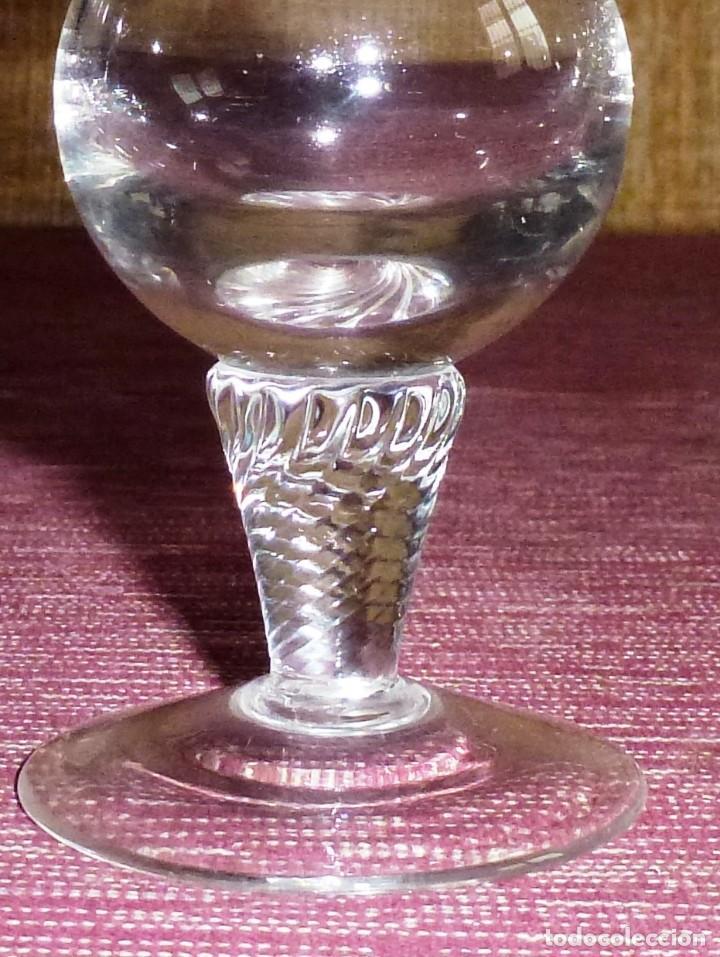 Antigüedades: Precioso violetero en cristal tallado. - Foto 5 - 194205693