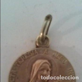 SANCTA TERESIA A JESU INFANTE . ROSARUM IMBREM E COELO EFFUNDAM (Antigüedades - Religiosas - Medallas Antiguas)