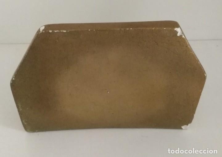 Antigüedades: Pequeña antigua ménsula o peana para imagen con algún fallo para restaurar - 13cm x 10cm x 11cm - Foto 4 - 165700486