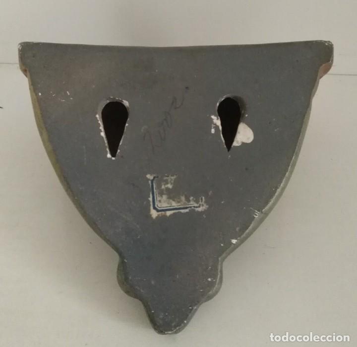 Antigüedades: Pequeña antigua ménsula o peana para imagen con algún fallo para restaurar - 13cm x 10cm x 11cm - Foto 5 - 165700486
